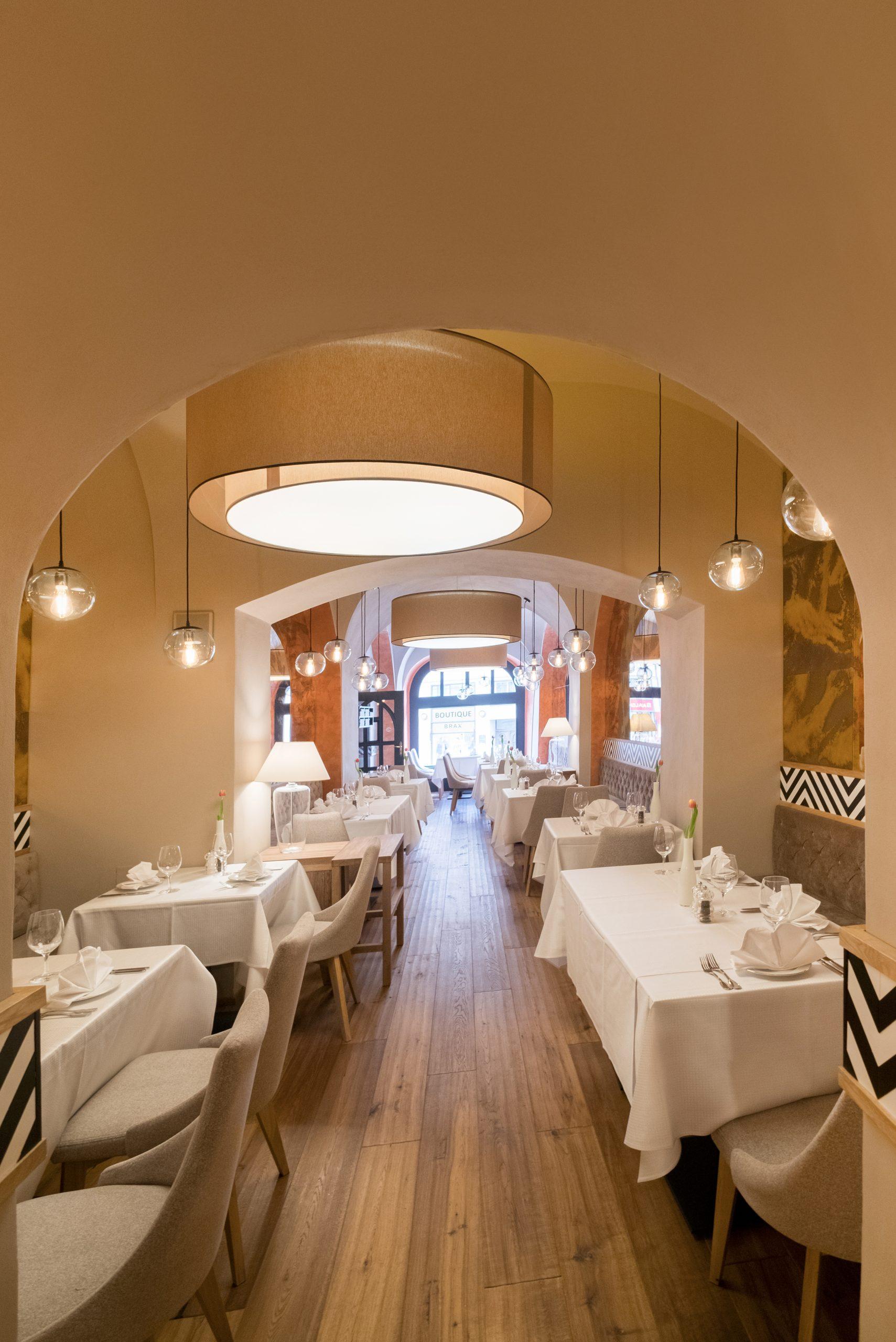 Vysoce hodnocena restaurace hotelu Promenáda