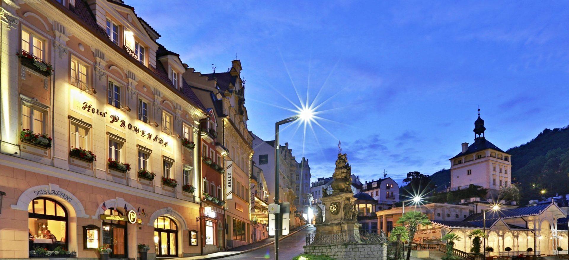 Karlovy Vary v noci